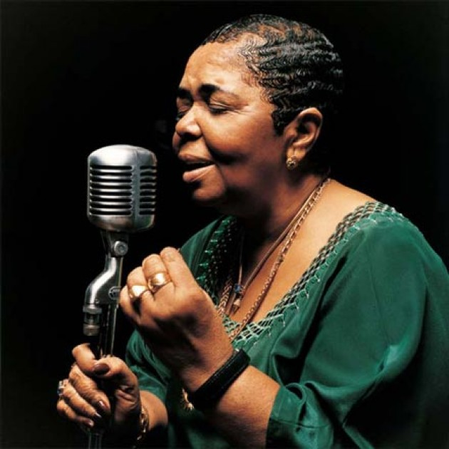 http://www.anyplace.ro/data/news/cesaria-evora-2-1271427200.jpg